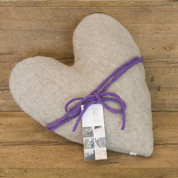 Cuscino di cirmolo in lana di pecora cuore grigio
